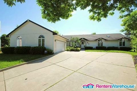 property_image - House for rent in West Des Moines, IA