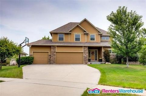 property_image - House for rent in Clive, IA
